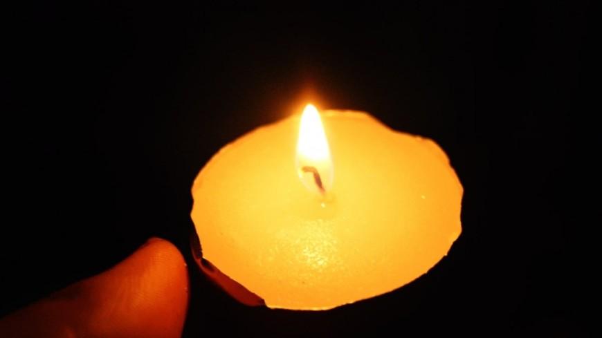 """Фото: Елена Андреева, """"«Мир 24»"""":http://mir24.tv/, траур, свечи"""