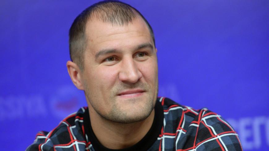 Россиянин Ковалев нокаутировал украинца Шабранского в бою за пояс WBO
