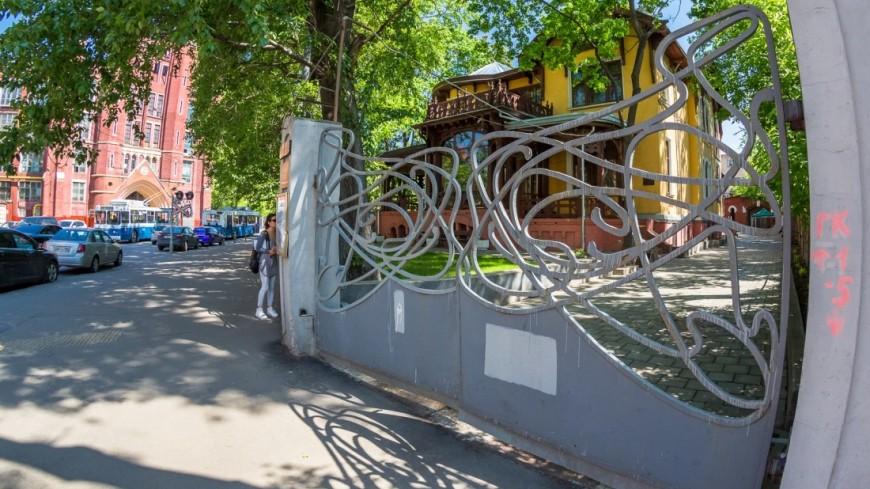 Вместо кинотеатра «Таджикистан» откроют досуговый центр сфасадами под черный мрамор