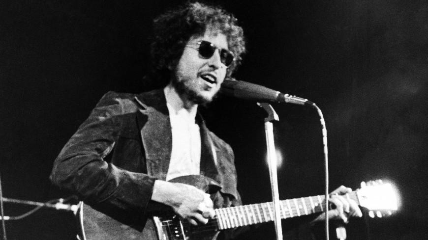 ВСША гитару Боба Дилана продали практически за 400 000 долларов
