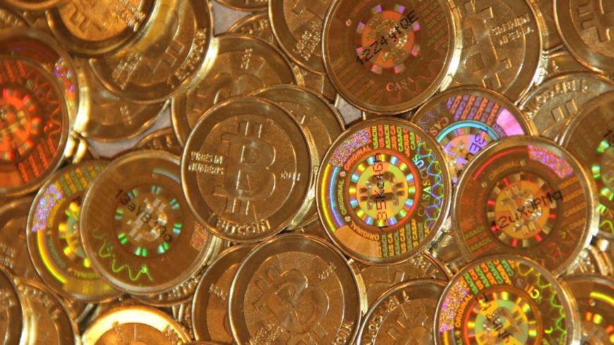 Новый рекорд: курс биткоина превысил 7,8 тысячи долларов