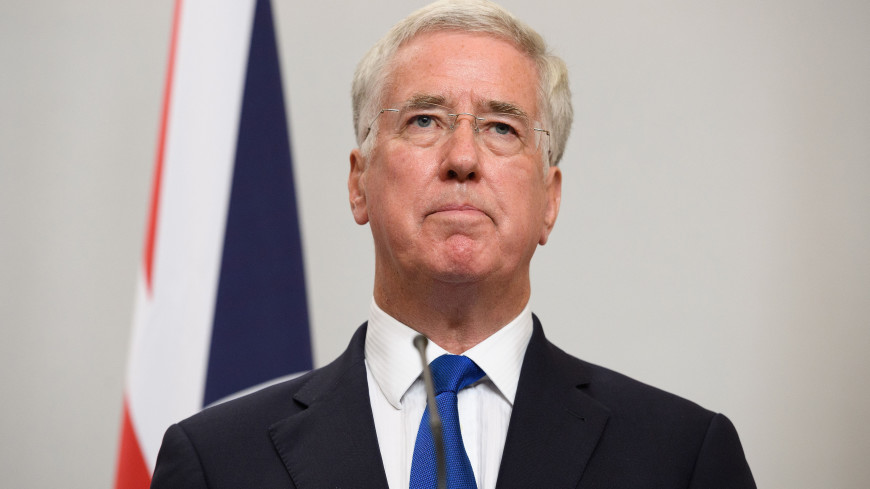 Глава Минобороны Великобритании подал в отставку