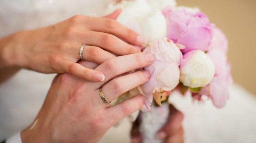 Неменее 40 свадеб сыграют в российской столице наНовый год
