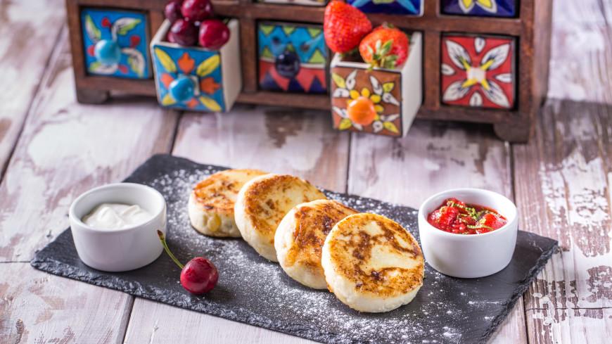 Как приготовить вкусные сырники. Советы повара