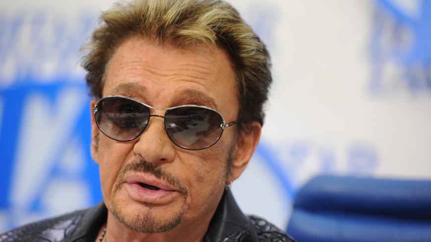 Легендарный французский рокер Джонни Холлидей попал в клинику