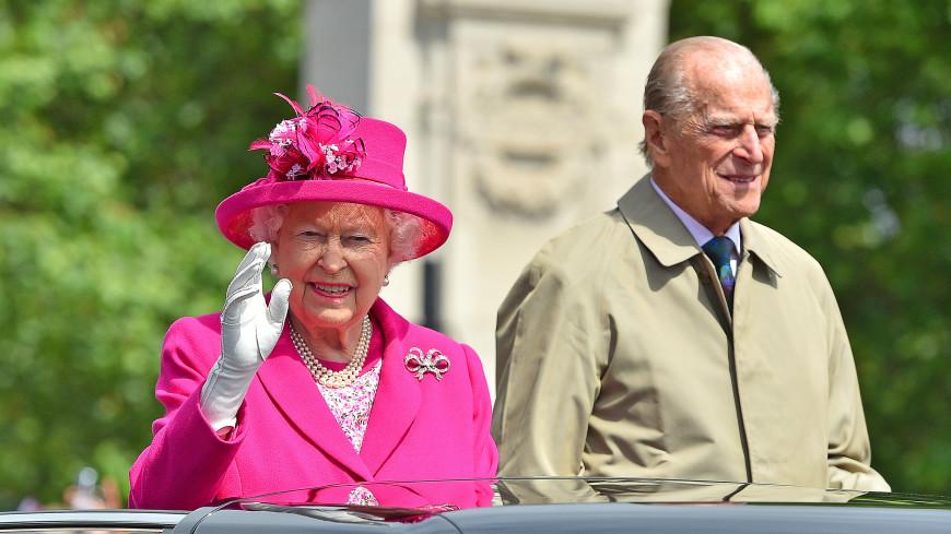 Королева Елизавета II и принц Филип отмечают «платиновую свадьбу»