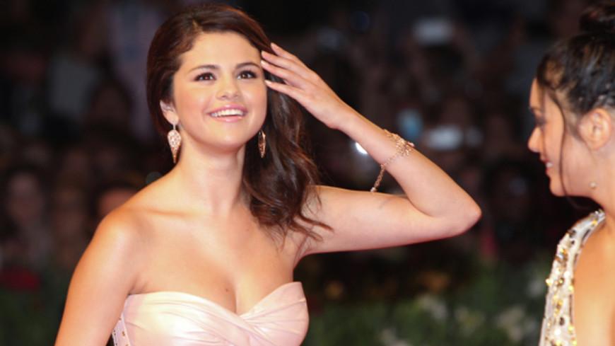Певицу Селену Гомес назвали «Женщиной года»