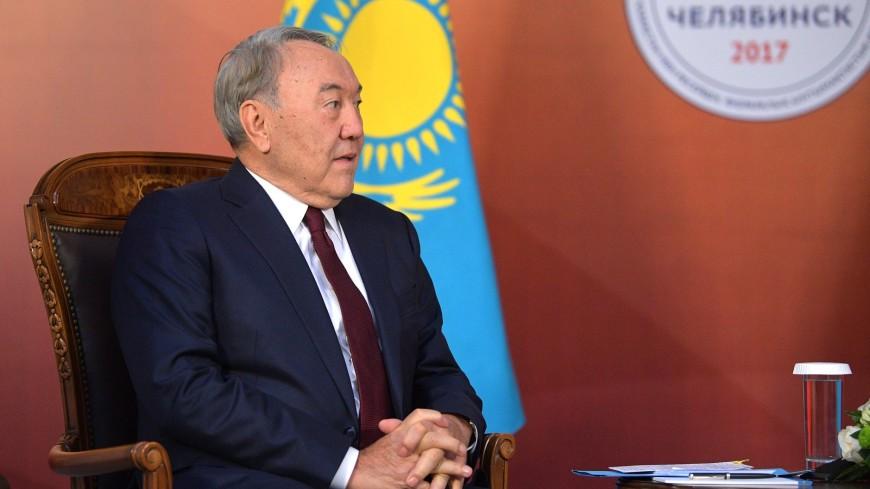 Назарбаев вспомнил, как в 2002 году пил пиво с Путиным в Челябинске