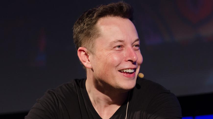 Tesla Semi: Илон Маск показал электрический грузовик