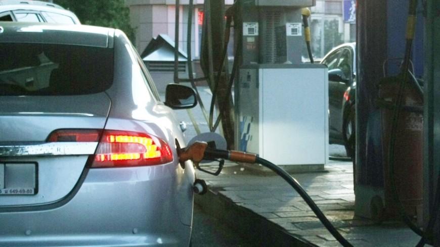 В России рекордно поднялись цены на бензин