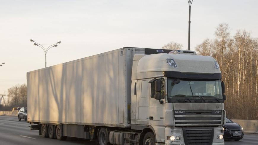 Фура с тефтелями перевернулась на трассе в Швеции