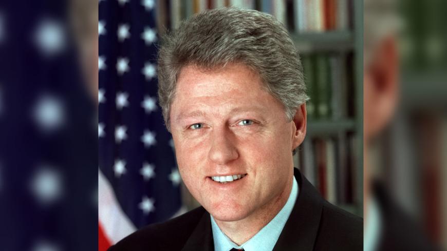 Снова за старое? Билла Клинтона обвинили в сексуальных домогательствах