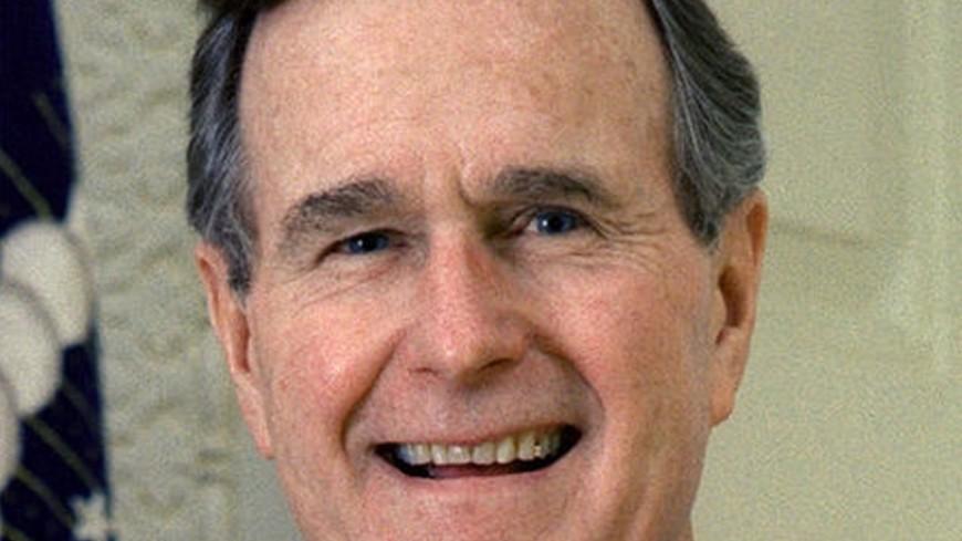 Жительница Техаса обвинила Буша-старшего вдомогательствах