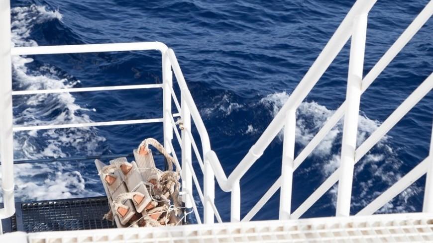 Японское рыболовецкое судно перевернулось вТихом океане