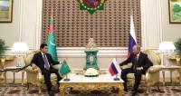 Газово-политические отношения: зачем Путин прилетел в Туркменистан
