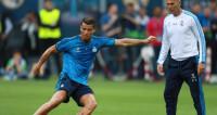 Зинедин Зидан - лучший тренер года по версии ФИФА