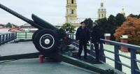 Телеканал «Мир» отметил юбилей выстрелом из пушки
