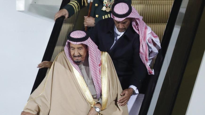 Усамолета короля Саудовской Аравии воВнуково сломался трап-эскалатор