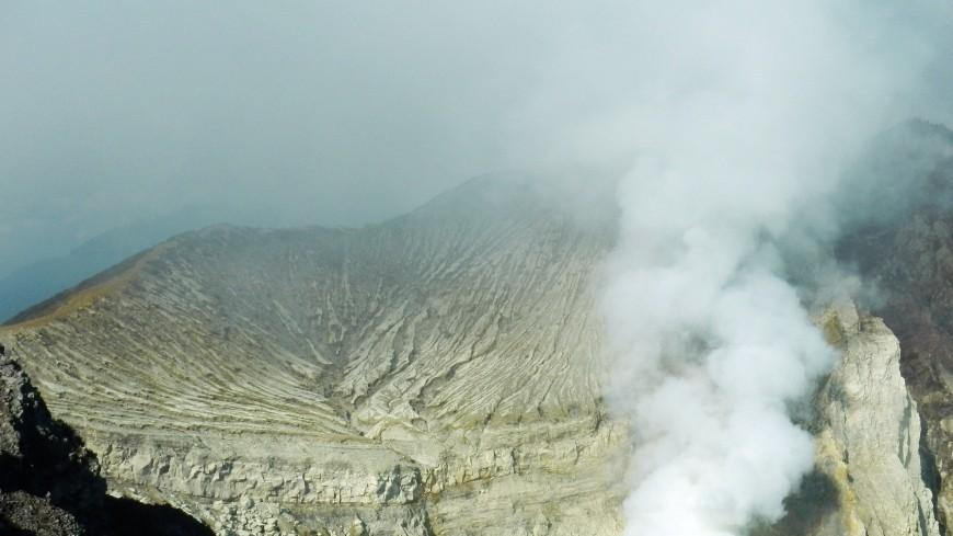 Наострове Суматра случилось  извержение вулкана