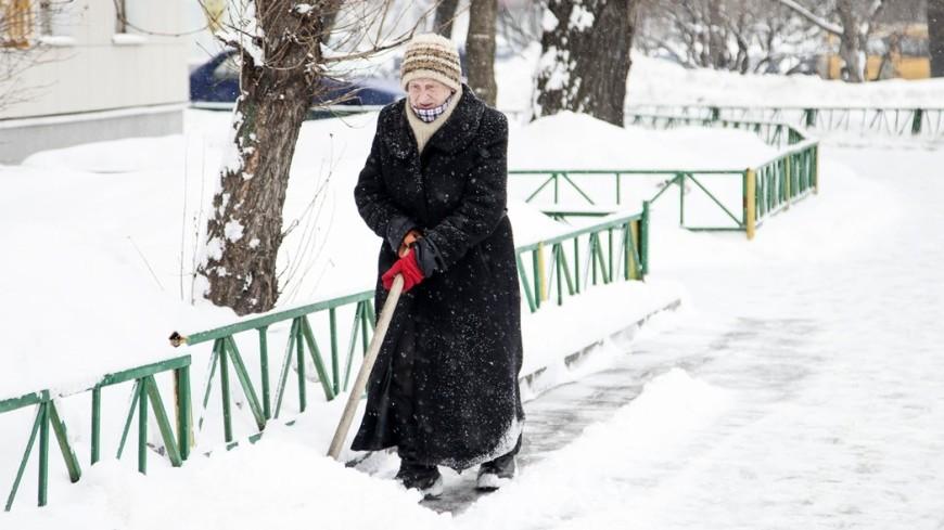 Урал и Западную Сибирь завалило снегом