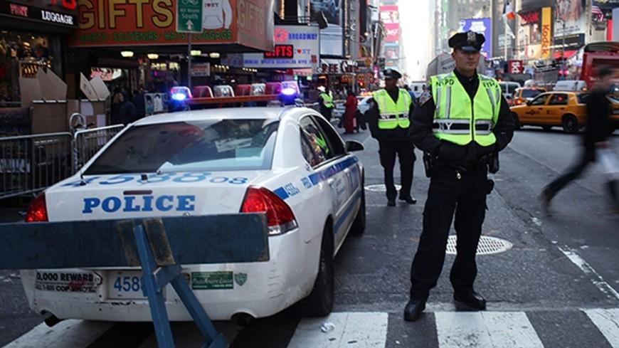 Жаждавших соуса фанатов «Рика иМорти» разогнала милиция  — Осада McDonald's