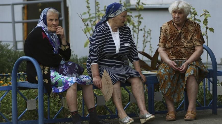 """Фото: Максим Кулачков, """"«Мир24»"""":http://mir24.tv/ автобусы, мосгортранс, сплетни, пенсионеры"""