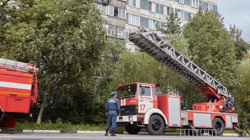 Шесть человек спасли впожаре вмногоэтажке насеверо-западе столицы
