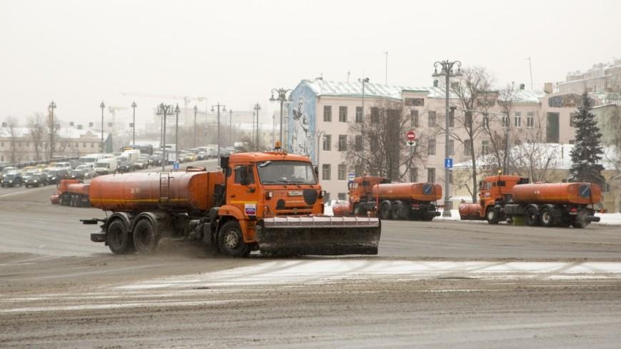Со снегом в Москве борются 20 тысяч человек
