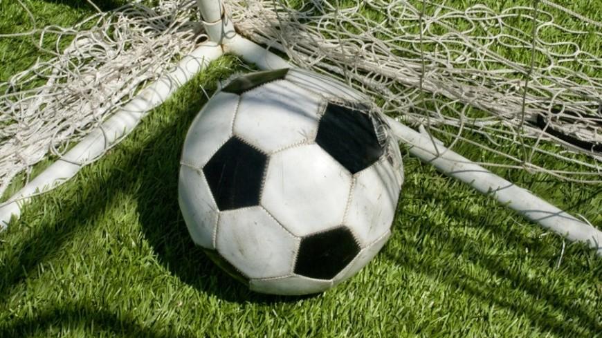 ВГреции футболист вытер бутсу обарбитра иполучил жёлтую карточку