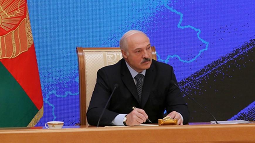 Лукашенко объявил овидимой изкосмоса куче мусора под Минском