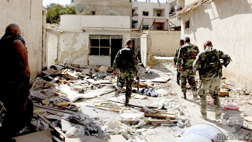 Около 100 террористов ИГИЛ* сдались вРакке запоследние сутки— США