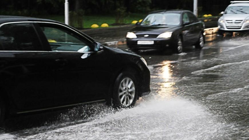 Москва встала в девятибалльных пробках из-за дождя