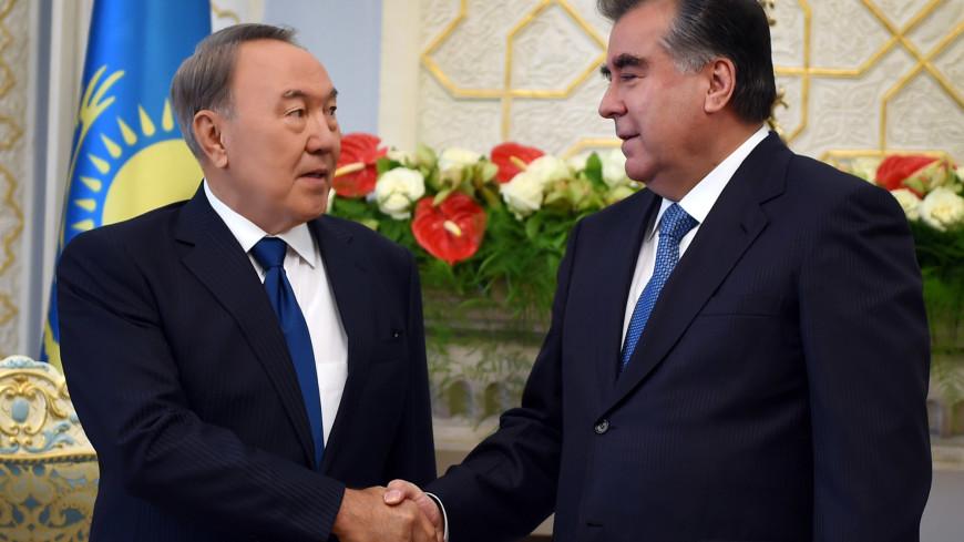 Назарбаев поздравил В.Путина с65-летием
