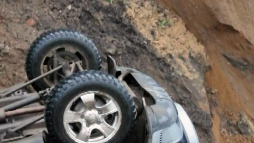 Пассажирский автобус рухнул возеро Танзании, 12 человек погибли