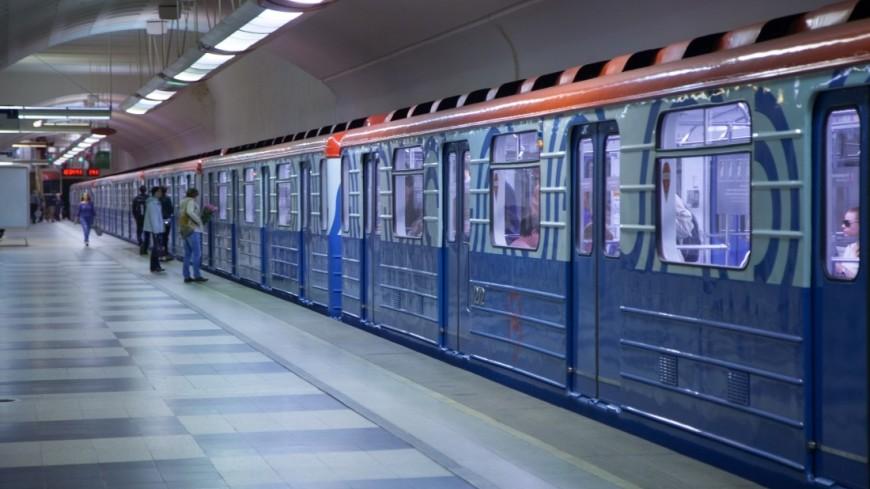 Плакаты, напоминающие пассажирам оправилах хорошего тона, появились вмосковском метро