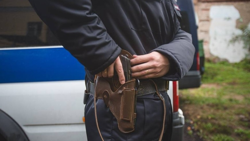 У захватчика заложников в Пензе изъяли похожий на гранату предмет