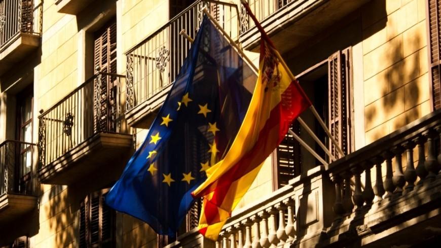 КС Испании: Пучдемон не сможет возглавить Каталонию до возвращения в страну