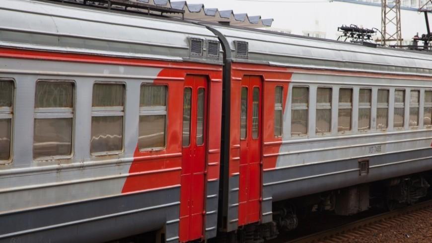 Электричка в Москве насмерть сбила пассажира, пытавшегося обойти турникеты