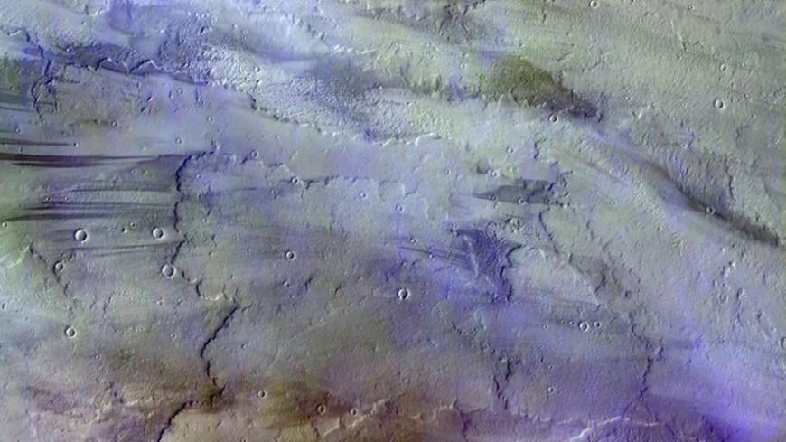 Зонд ExoMars сообщил наЗемлю кадры марсианских облаков