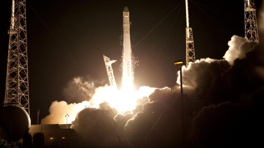 Запуск Falcon 9 со спутником отложен в последний момент