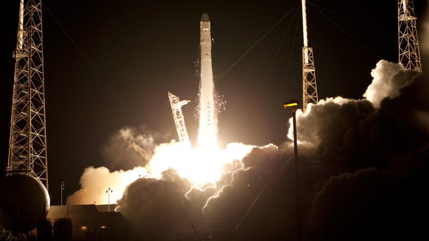 Falcon 9 вывела спутник и благополучно приземлилась