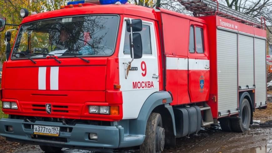 Изгостиницы вцентре столицы из-за пожара эвакуируют постояльцев