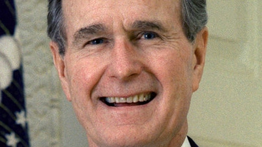 Артистка обвинила Буша-старшего вдомогательствах