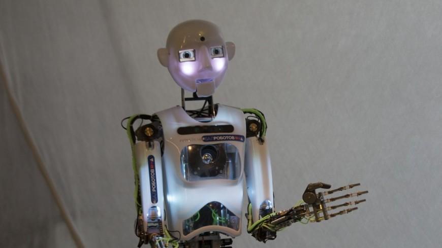 В Париже показали роботов нового поколения