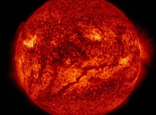 Берегись неба: из-за вспышек на Солнце на дорогах выросло количество ДТП