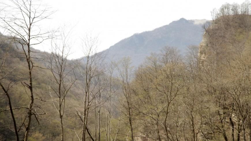 В горах Карачаево-Черкесии из-за сильных дождей застряли 59 туристов
