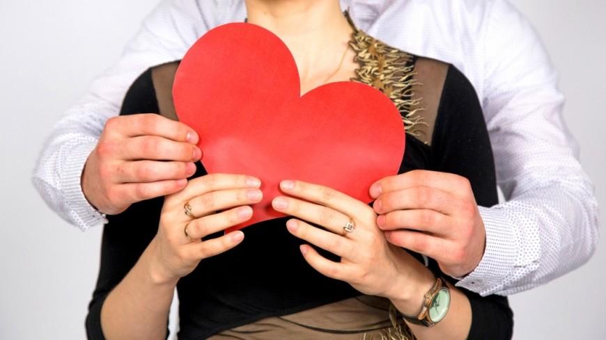 """Фото: Максим Кулачков (МТРК «Мир») """"«Мир 24»"""":http://mir24.tv/, сердце, отношения, любовь, брак, семья, бракосочетание, супруг, супруга, муж, жена"""