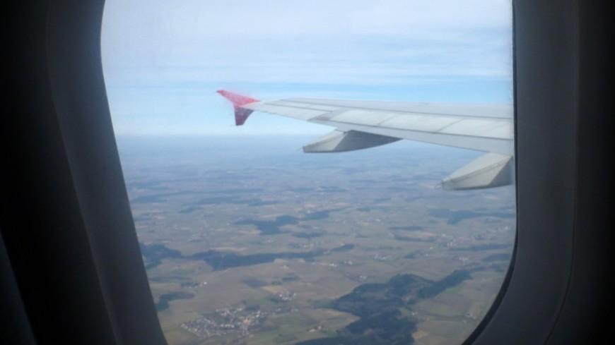 Мотор летевшего вИркутск самолета зажегся ввоздухе