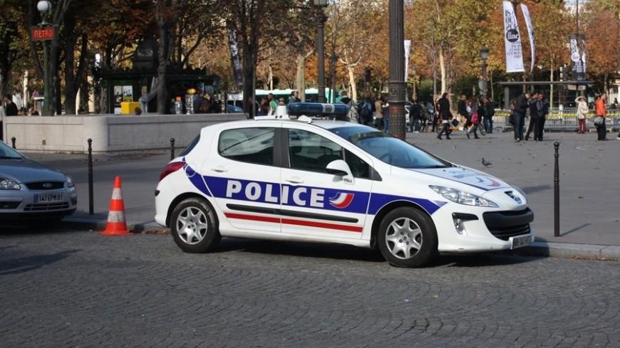 Женщину и детей на вокзале во Франции убил ее муж-полицейский
