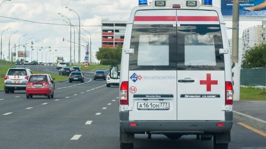 В Москве резко затормозил автобус: пострадали пять человек
